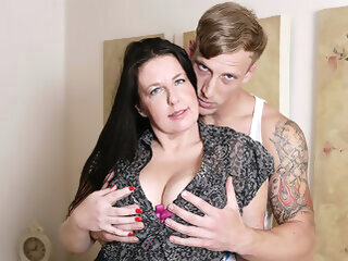 Horny British Housewife Fucking Her Toy Boy - MatureNL big ass big tits dutch