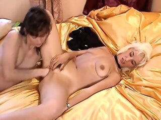 Blonde dyke fisted by brunette lesbian blonde brunette fisting