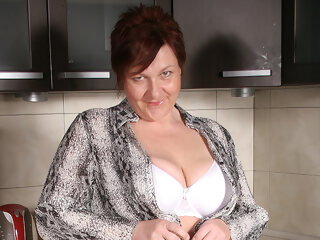 Big Breasted Mature Slut Playing In Her Kitchen - MatureNL big ass big tits dutch
